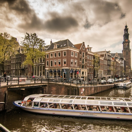 A Jordaan food and canal tour in Amsterdam