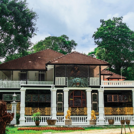 Travel back to Penang's colonial past at the Colonial Penang Museum and re-live the rich legacy of this former British colony.