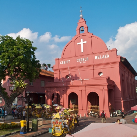 Enjoy a cultural exploration of heritage rich Malacca, a former Dutch colony.