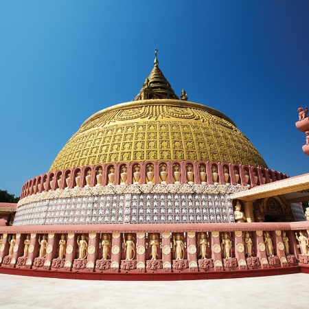With the remains of the old Royal City, sacred monasteries and numerous other places of interest, Mandalay is a showcase for Burmese art and architecture.