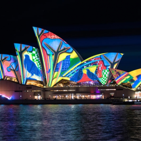 Art meets architecture at the world famous Sydney Opera House – enjoyed during an exclusive tour, or dine under the sails at a private dinner event…