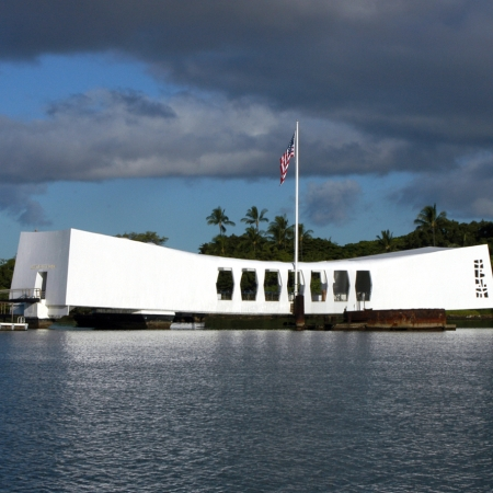 In Oahu – Visit historic Pearl Harbor and have dinner on the USS Missouri