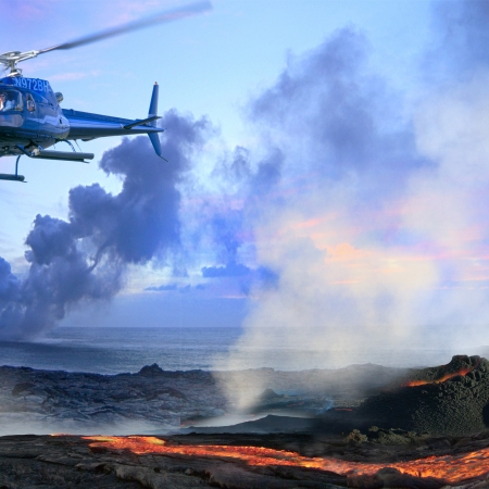 On Hawaii Island – Helicopter to Volcano National Park and experience the night manta ray swim