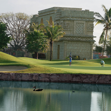 "Championship Golf courses: If you are ""mad about golf"" you came to the right place. In Puerto Vallarta and Riviera Nayarit, there are a total of 9 golf courses of the highest standards. You can play by the ocean, in the mountains, or with the jungle around you and crocodiles in the lakes!"