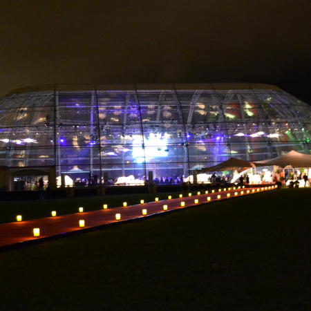Spectacular events and entertainment in giant domes